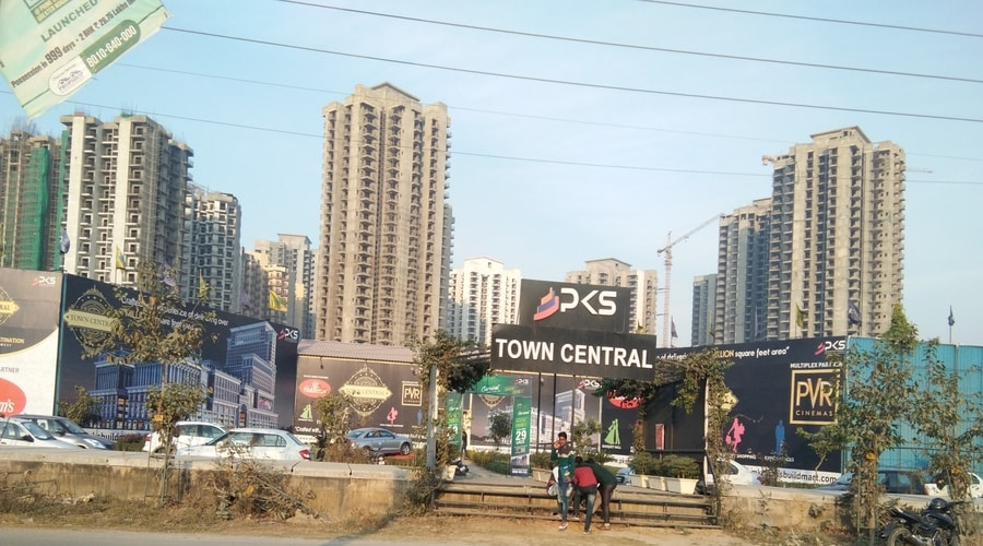 PKS Town Central, Greater Noida West