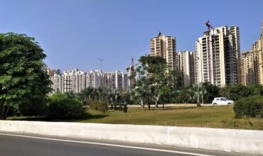 review, best places for living in gurgaon,gurugram, luxury, apartments, villas, ratings,feedback,investment,flats