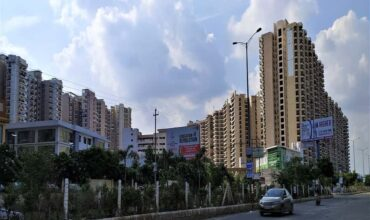 best residential societies for living in greater noida, apartments, flats, villas, top
